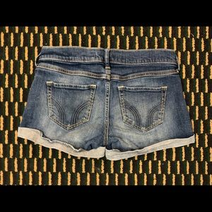 Hollister jean shorts size 25/1